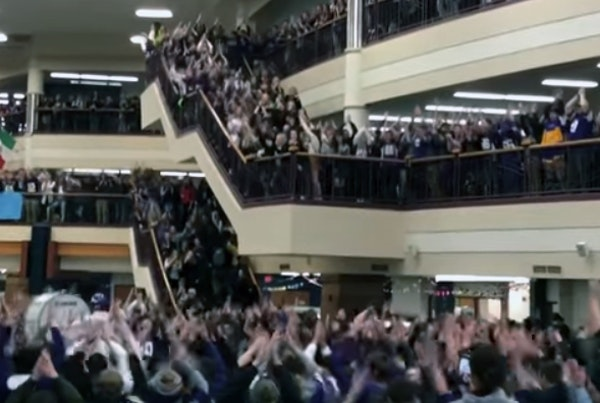 "Hundreds do Vikings' ""Skol"" chant at Prior Lake High School"