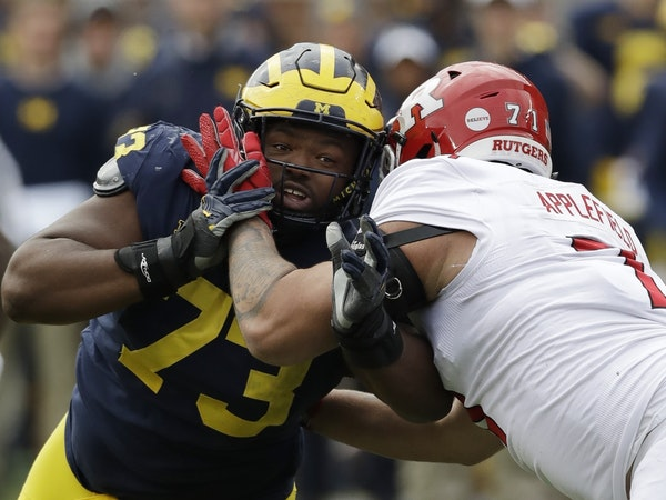 Michigan defensive lineman Maurice Hurst recorded 5½ sacks on the nose in a 3-4 front.