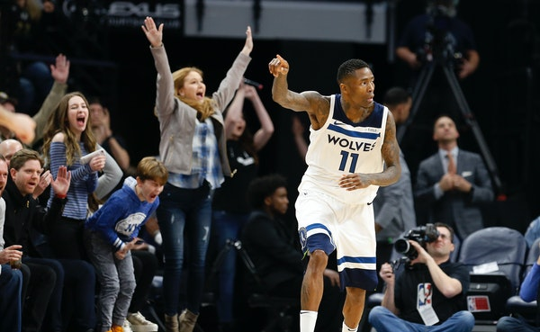 The Target Center crowd reacted after Timberwolves guard Jamal Crawford made a three-pointer during the second half against the Lakers earlier this mo