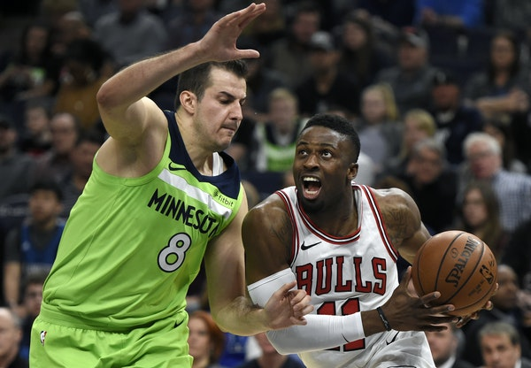 Chicago's David Nwaba was guarded by Nemanja Bjelica in a game Feb. 24.