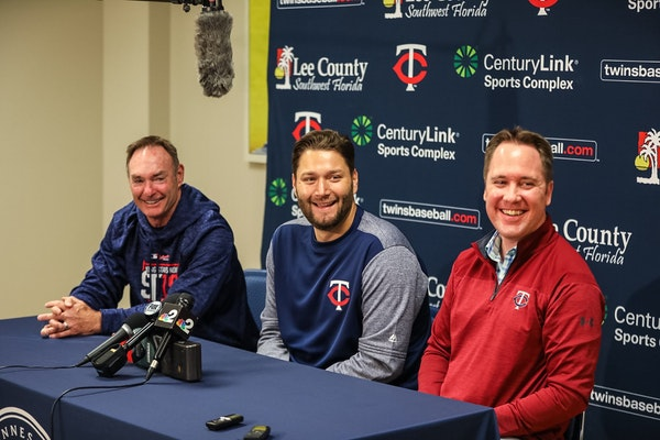 Twins manager Paul Molitor (left) joined Lance Lynn and Twins CBO Derek Falvey (right) at Tuesday's news conference.