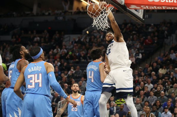 Timberwolves center Karl-Anthony Towns dunked in the first half Tuesday against the Clippers.