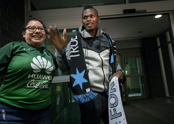 Darwin Quintero, greeted by Minnesota United fans when he arrived Wednesday at Minneapolis-St. Paul International Airport, has signed with the team.