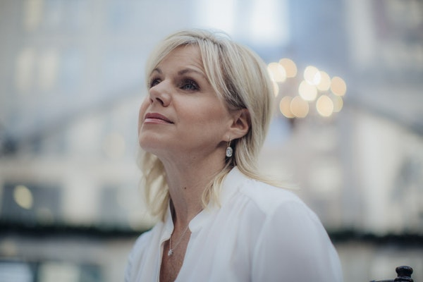 Gretchen Carlson, a former Fox News anchor, will host a new documentary series on Lifetime.