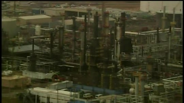 Evacuation lifted after refinery explosion