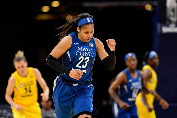 Lynx forward Maya Moore pumped her fist after hitting a 3-pointer against the Chicago Sky in Saturday's preseason game.