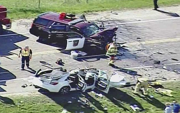 A scene of the crash on Kendrick Avenue at 205th Street, parallel to Interstate 35.