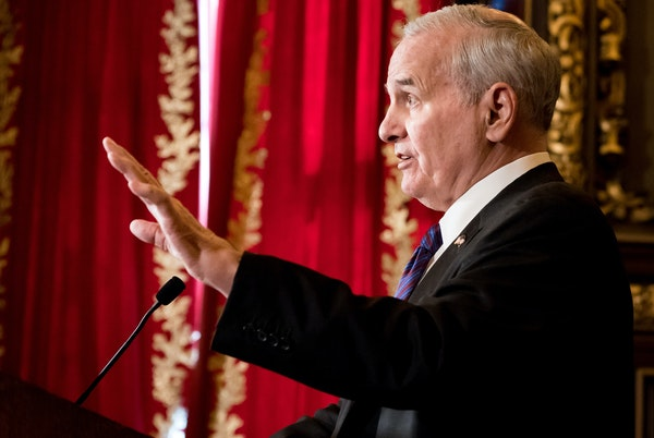 DFL Gov. Mark Dayton and Republican lawmakers share some agreement but are seeking leverage before adjourning.