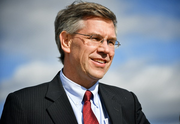 """""""I just feel it's time to … make sure that we can have votes on bipartisan bills,"""" said Rep. Erik Paulsen, shown in 2016."""