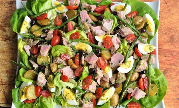 Roasted NiÁoise Salad With Fresh Tuna. Photo by Meredith Deeds * Special to the Star Tribune