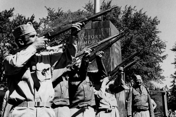 Victory Memorial Drive in Minneapolis was designed to honor WWI veterans. In this 1966 photo, the rifle team of Clarence LaBelle Post 217, Veterans of
