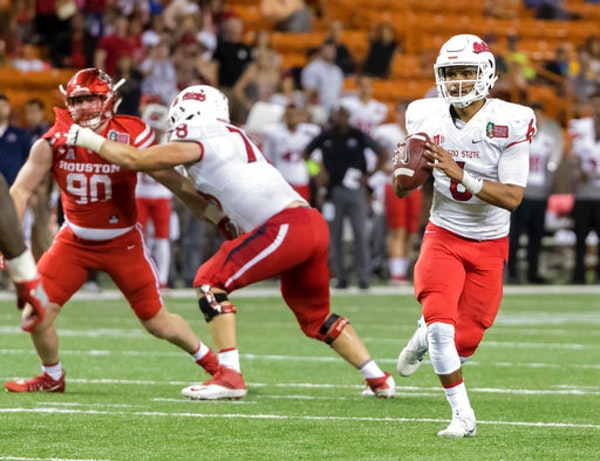 After transferring from Oregon State to Fresno State, quarterback Marcus McMaryion won the starting job by the fourth week of the season and went 9-2