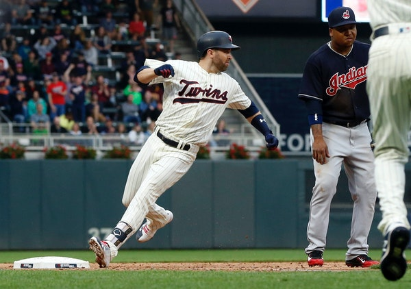 Dozier feels Twins offense is coming around