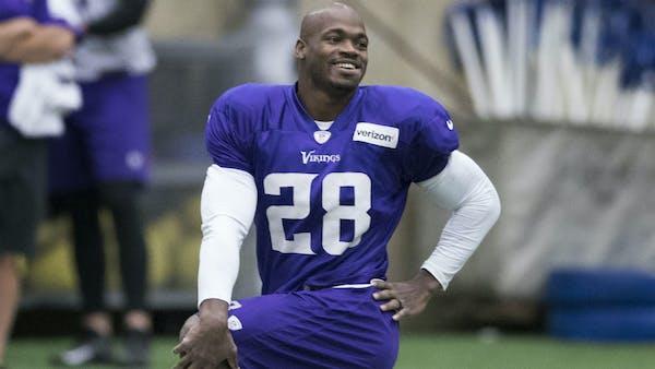 Who needs a running back? Peterson still seeking a team for 2018