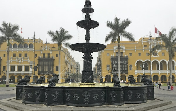Downtown Lima's main attraction, Plaza Mayor, is home to the Government Palace and the impressive Cathedral de Lima.
