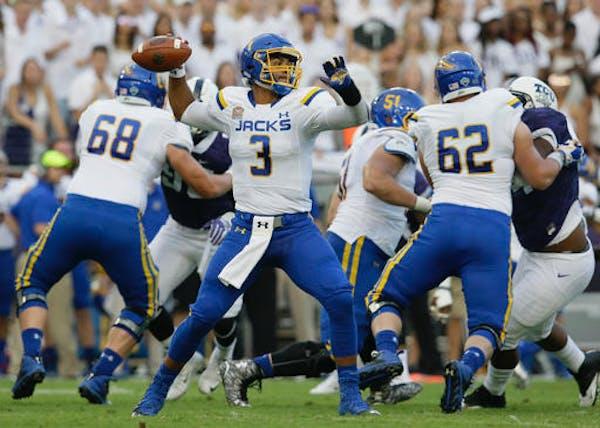 Can S. Dakota, SDSU, N. Iowa spring major college football upsets?