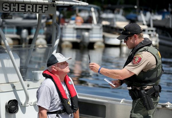 Dale Erickson volunteered for a sobriety test Thursday on a Washington County Sheriff's boat. The goal of the operation is to reduce BWI accidents.