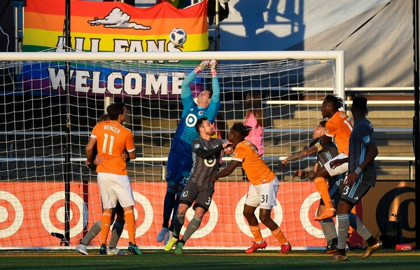 Loons goalkeeper Bobby Shuttleworth made a save off a corner kick againt Houston on April 28. But opponents have been more successful on set pieces ag