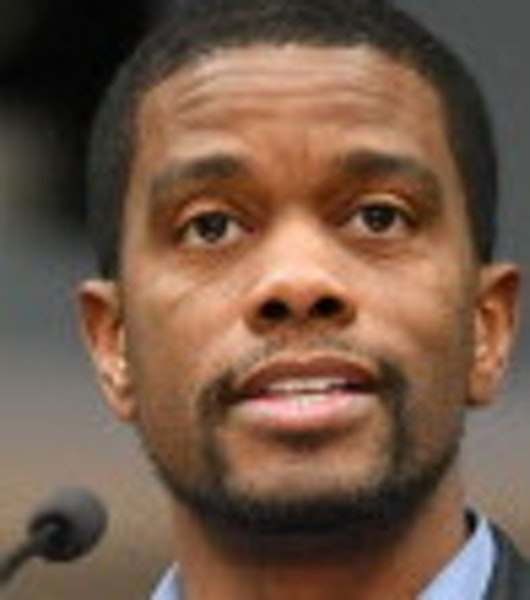 St. Paul Mayor Melvin Carter has appealed to the federal government to help protect first responders.