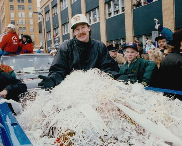On Oct. 29, 1991, World Series hero Jack Morris was swallowed in confetti as he rode through Minneapolis. That Series was a defining moment for Morris