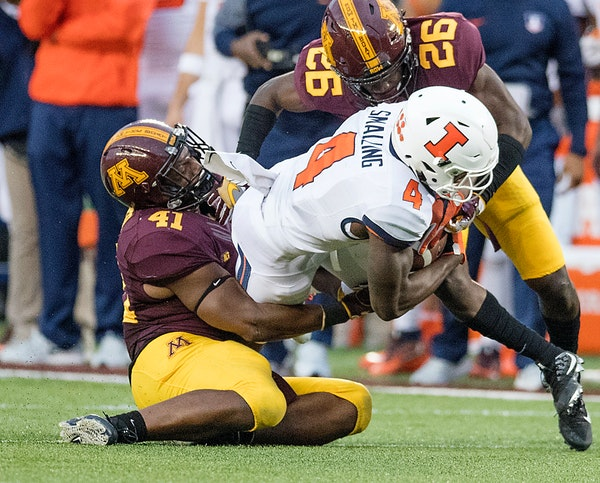 The Gophers' Thomas Barber (41) was one of 51 players named to the Butkus Award watch list, which goes to the nation's top linebacker.