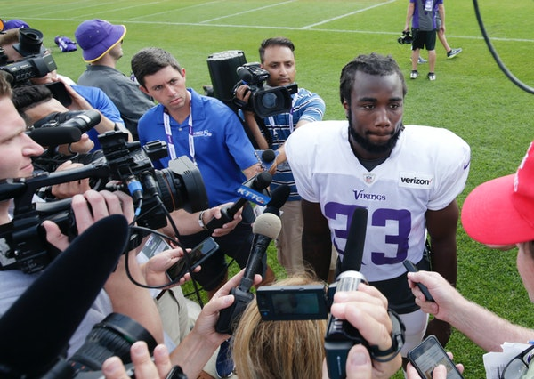 Vikings coach Zimmer on Barr, Cook