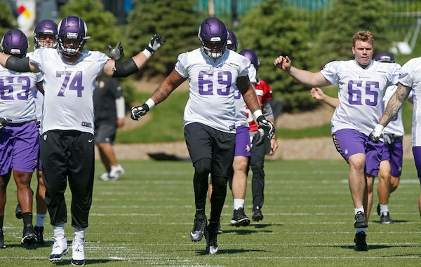 Huh? Is the Vikings offensive line 'poised for more success' in 2018?