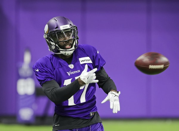 Vikings new receiver Aldrick Robinson was acquired within hours after the tie game against Green Bay.