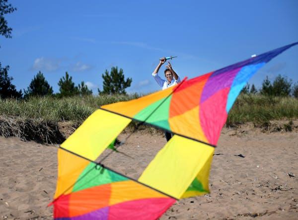 Author/kite aficionado Leif Enger.