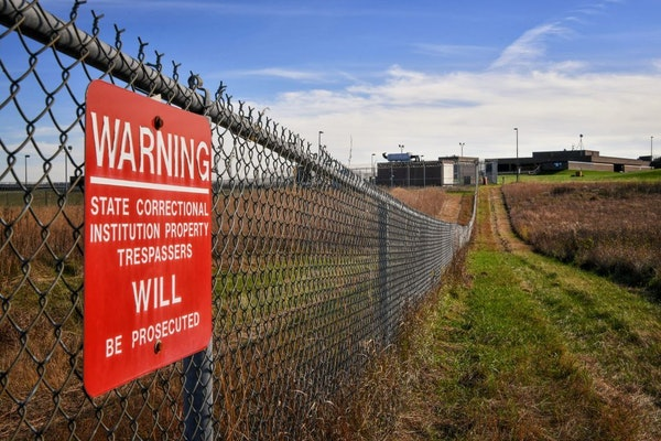 Union leaders say the conditions have caused morale to plummet and triggered an exodus of line staff in Stillwater and Oak Park Heights prisons, pictu