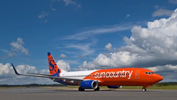 First look at the new paint job on Sun Country's airplanes