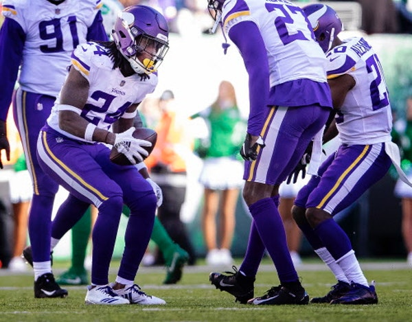 As injuries mounted, Vikings called on 'Hollywood' and other fill-ins