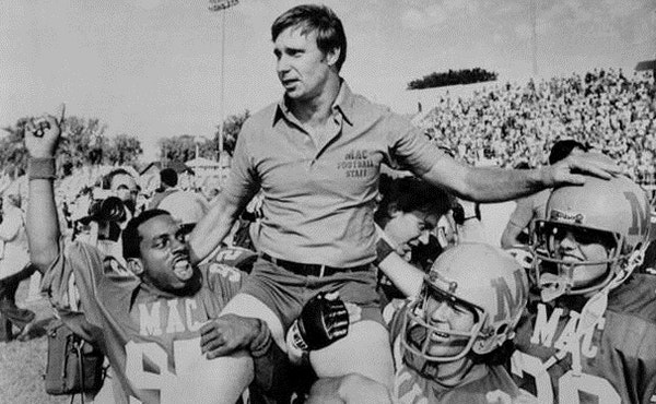 Macalester players carried coach Tom Hosier off the field after the Scots ended their 50-game losing streak in 1980 with a 17-14 victory over Mount Se