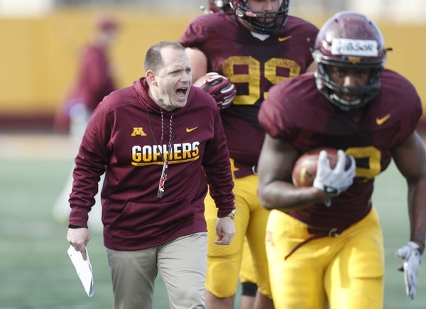 Former defensive coordinator Robb Smith during football practice at the University of Minnesota in 2017.
