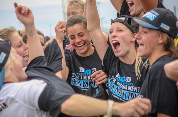Minnesota's women's soccer team celebrated winning the Big Ten title on Sunday.