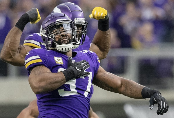 Everson Griffen celebrated a sack against the Lions on Sunday.
