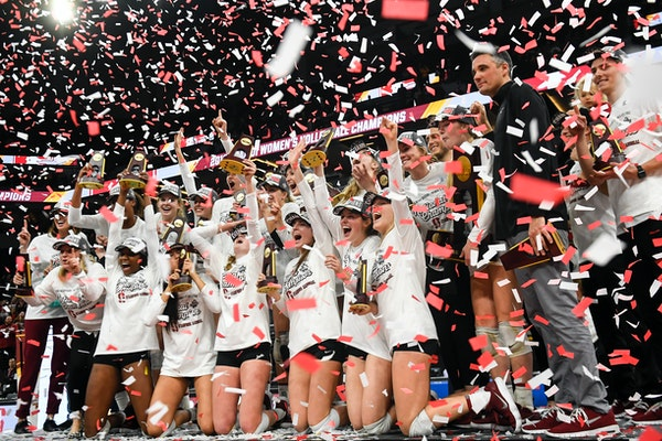Stanford celebrated after defeating Nebraska in five sets to win the NCAA volleyball championship on Saturday at Target Center.