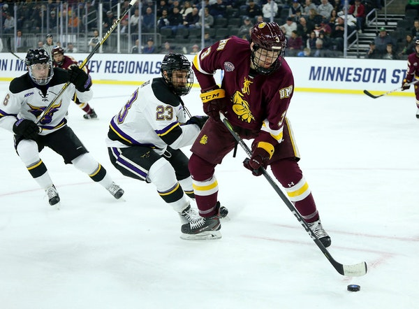 Minnesota Duluth defenseman Mikey Anderson of Roseville (3) was named captain of the 2019 U.S. national junior team, USA Hockey announced Tuesday.