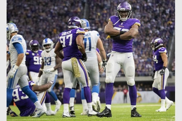 For Hunter, a half-sack vs. Lions is worth a half-million from Vikings