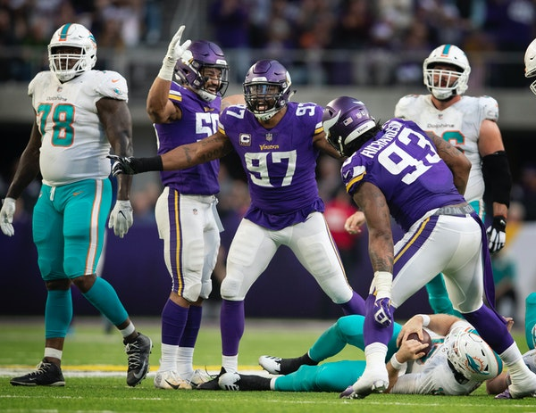 Vikings defensive end Everson Griffen celebrated his late fourth quarter sack of Dolphins quarterback Ryan Tannehill on Sunday, one of nine in the gam