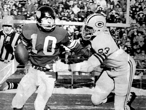 The Packers and end Clarence Williams denied Fran Tarkenton and the Vikings a big win amid high expectations on Dec. 10, 1972, at Met Stadium, as well