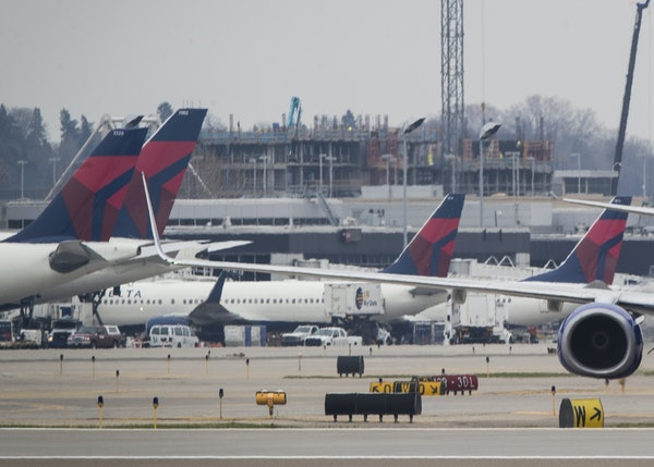 A plane taxied to take off at the Minneapolis/ St. Paul International Airport in 2017.