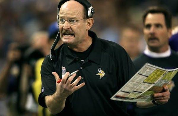 Ex-Vikings coach Brad Childress quits job in new football league