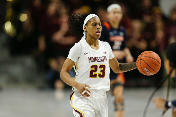Senior guard Kenisha Bell (shown in a game earlier this season vs. Illinois) scored 14 of her game-high 25 points in the first half Thursday to help s