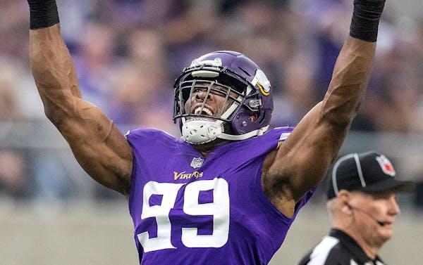 Vikings grades: Hunter among the elite; others on defensive line struggle
