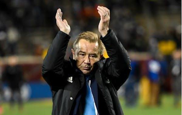 Loons coach Adrian Heath