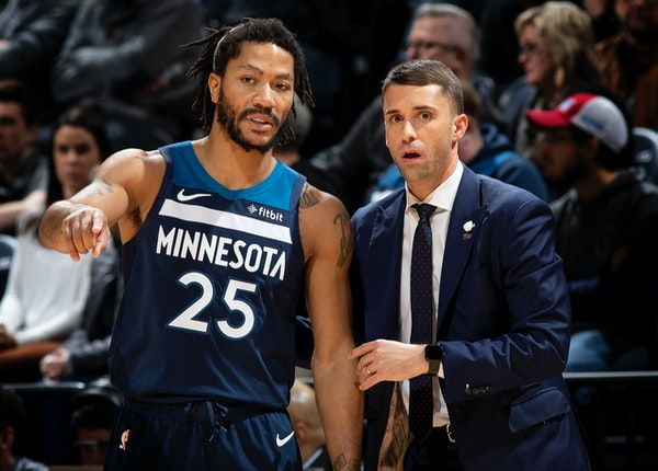 Derrick Rose spoke with Timberwolves interim head coach Ryan Saunders in the second quarter Sunday vs. Phoenix. Rose finished with 31 points, includin