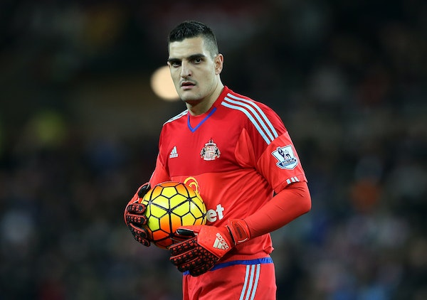 Goalkeeper Vito Mannone, playing for Sunderland in an English Premier League soccer match in January 2016.