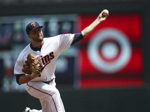 Pat Dean went 1-6 with a 6.28 ERA in 19 games with the Twins in 2016 before spending the past two seasons in South Korea.