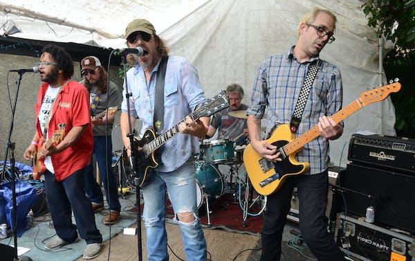 Minneapolis rockers Eleganza! finally tout their debut album Saturday at the 7th St. Entry.